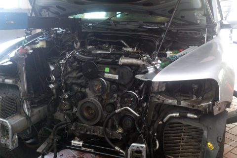 VW Touareg 3.0 TDI, 225 tys. km